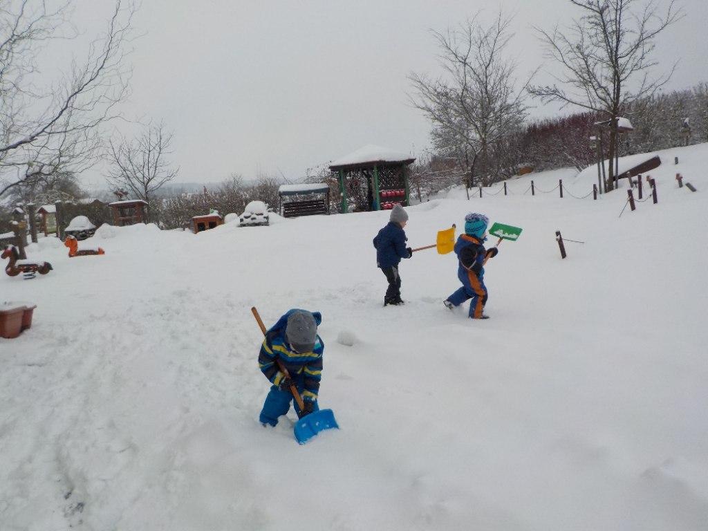 hry se sněhem 1