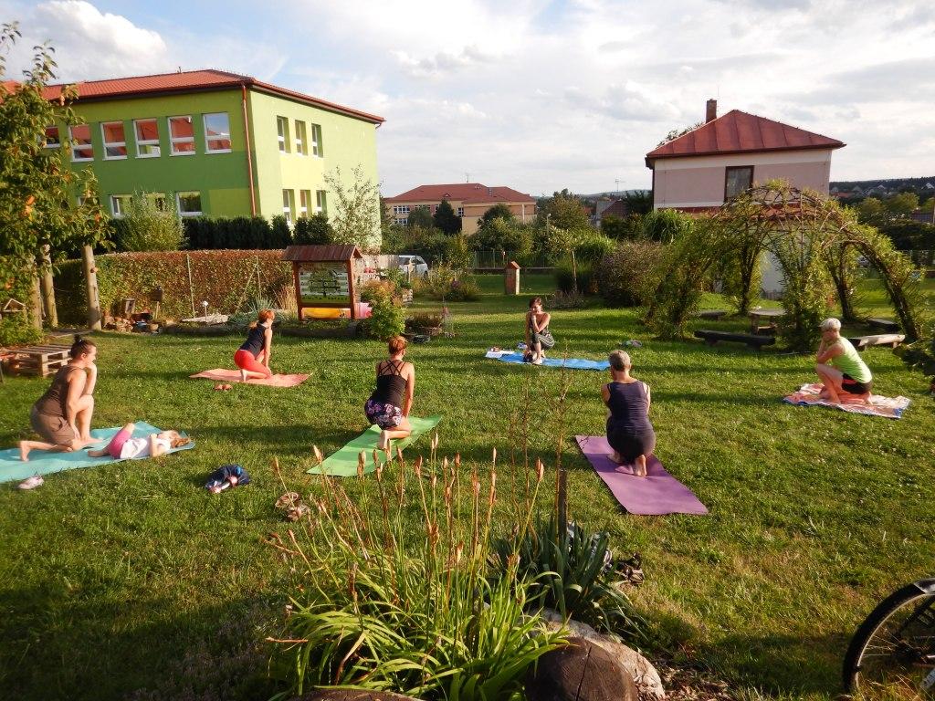 cvičení jóga 13