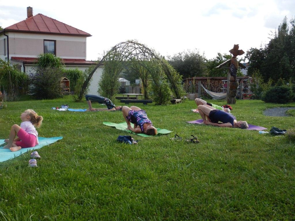cvičení jóga 15